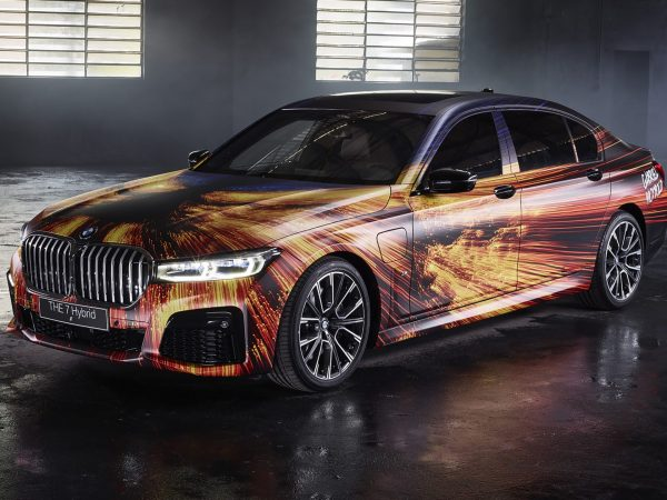 bmw_745e_xdrive_m_sport_art_car_by_gabriel_wickbold_2020_4k-3840x2160